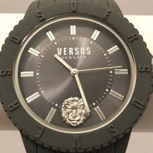 Versus Versace Tokyo R Silicone gray watch